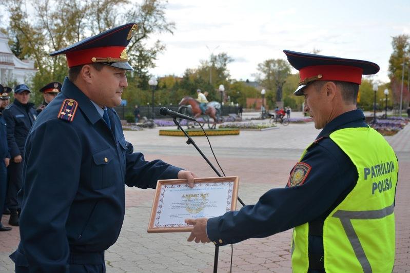 Первые офицерские звания получили полицейские СКО