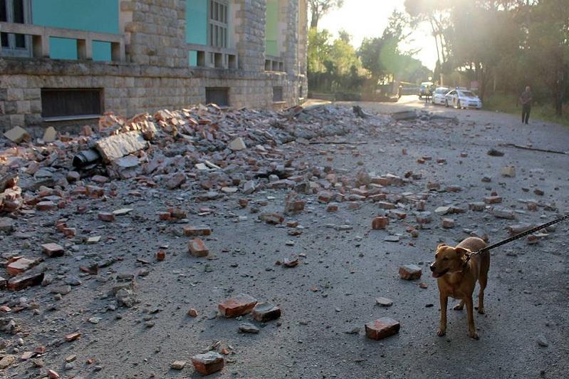 阿尔巴尼亚遭遇20年来最强烈地震