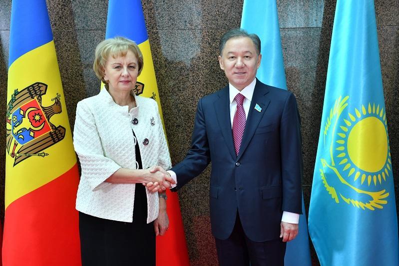 Nurlan Nigmatulin receives Moldovan Parliament Speaker
