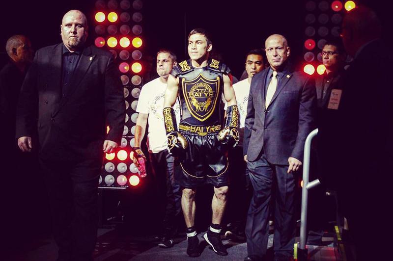 Батыр Жүкембаев Канададағы бокс кешінде екі титул үшін айқасады