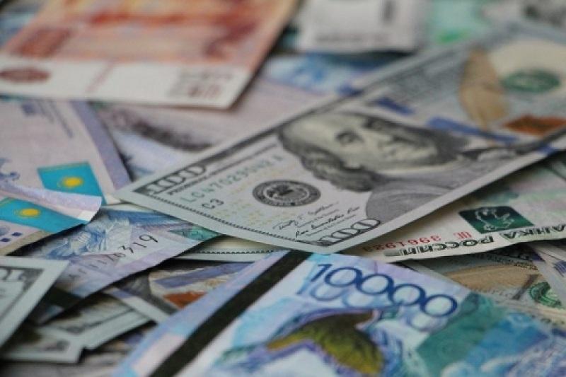 今日美元兑坚戈终盘汇率1:385.99