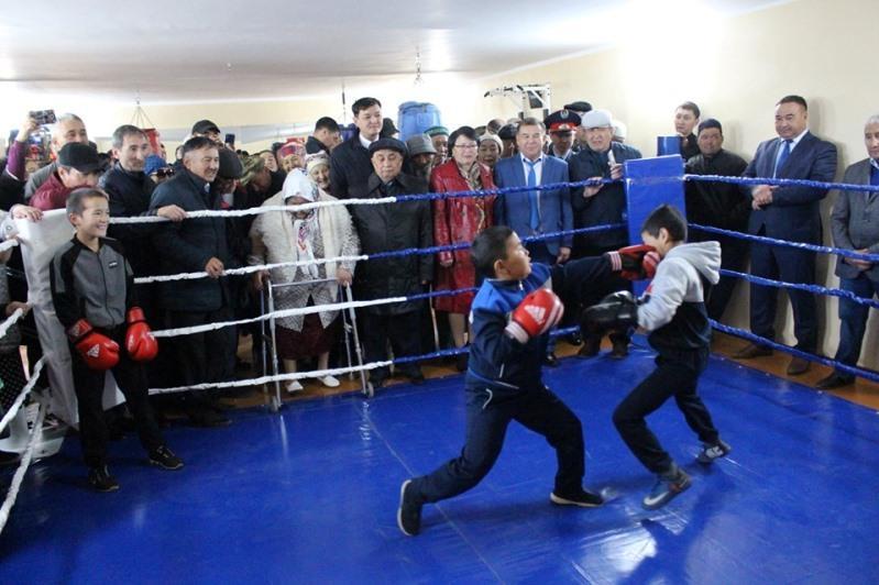Бизнесмен открыл зал бокса в ауле Акмолинской области