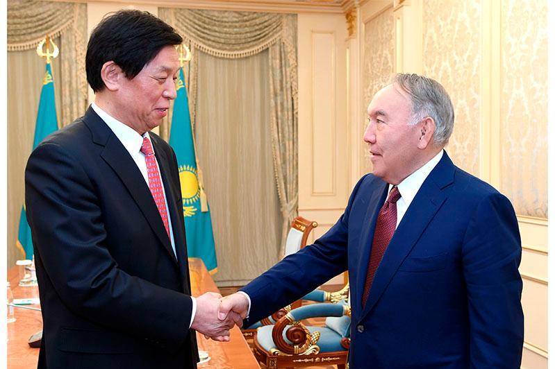 纳扎尔巴耶夫会见中国人大常委会委员长栗战书