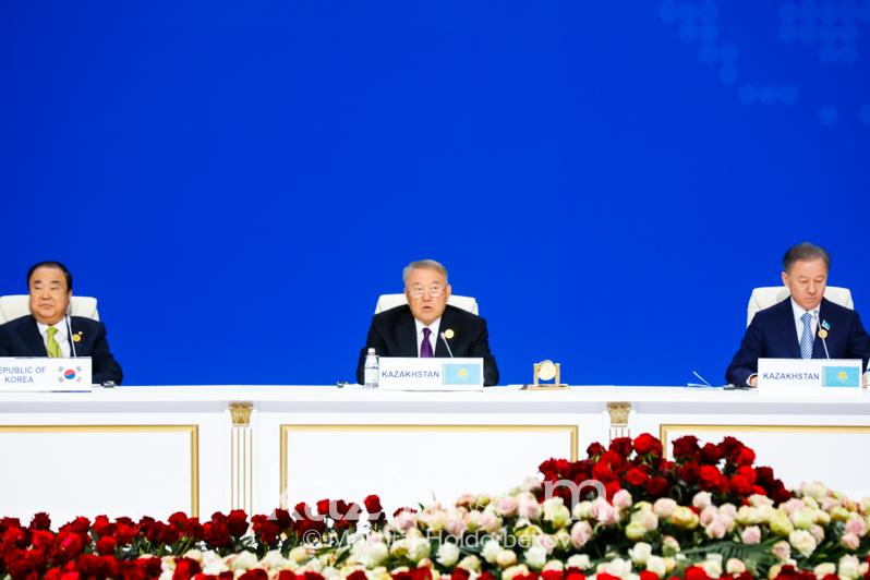 Kazakhstani deputies strengthening interstate friendship, N. Nazarbayev