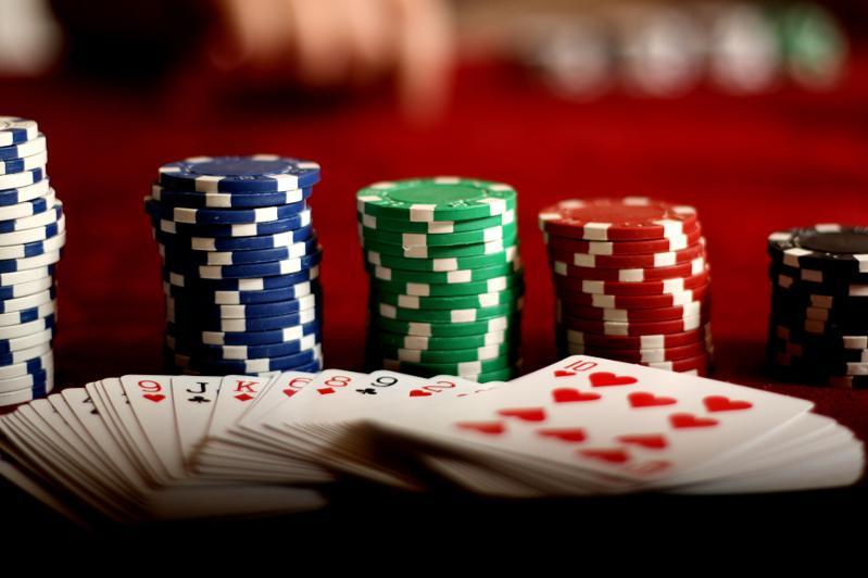 Шымкентте саунаның жертөлесінде жұмыс істеп келген казино табылды