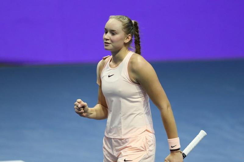 网球:热巴金娜晋级武汉网球公开赛第三轮