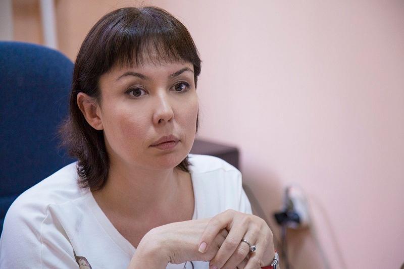 Аружан Саин займется делом избитого отчимом малыша в Алматы