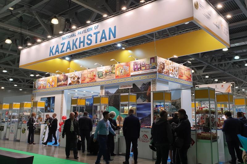 哈萨克斯坦代表团参加莫斯科国际食品展览会