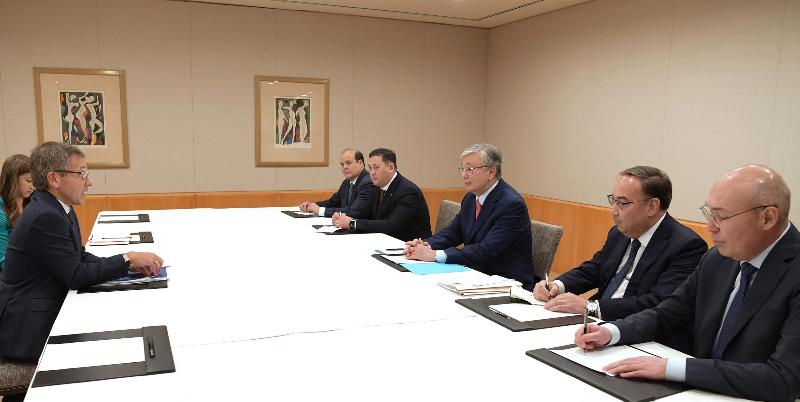 Глава государства провел встречу с президентом «Eurasia Group»