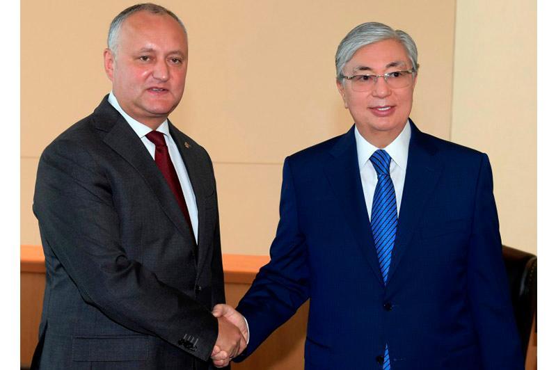 托卡耶夫会见摩尔多瓦总统