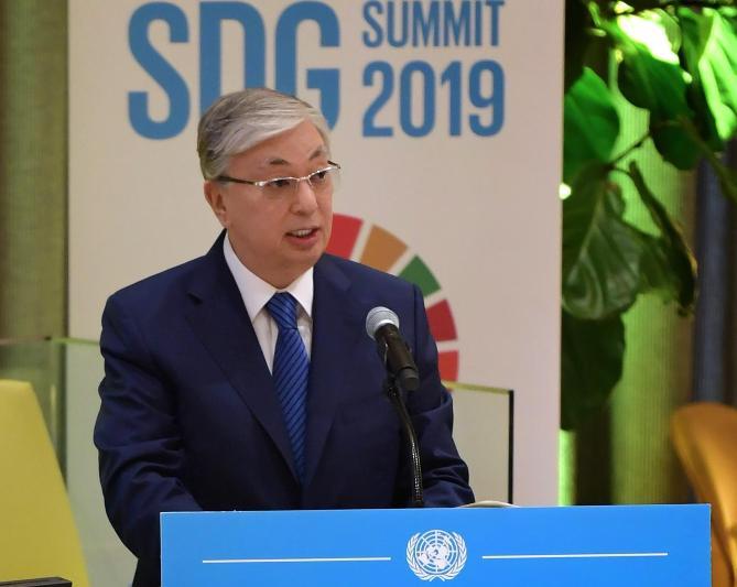 总统出席联合国可持续发展高级别政治论坛并发言