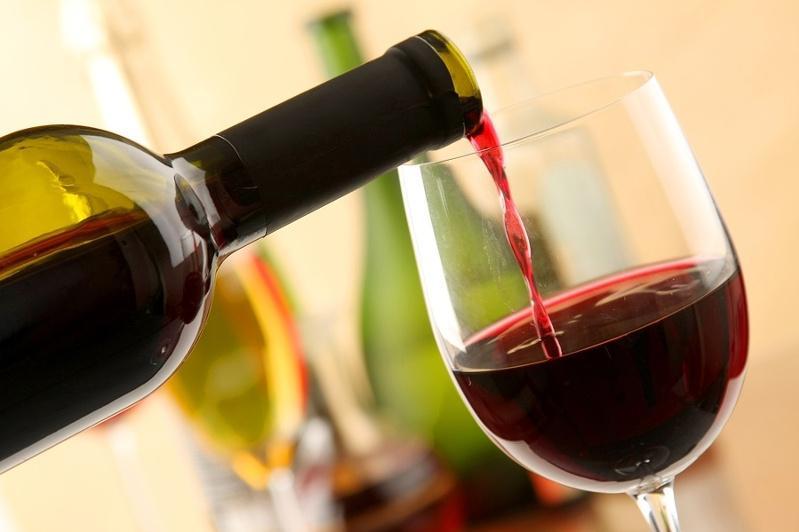 Рекламу вина и пива в СМИ планируют разрешить в Казахстане