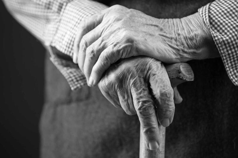 Кирпичом забили до смерти пенсионера за 25 тысяч тенге в Алматинской области