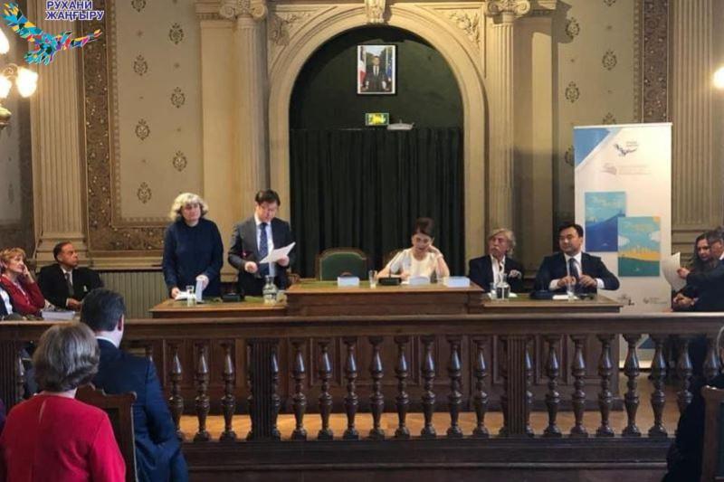 Антологии казахской литературы на французском языке презентованы в Париже