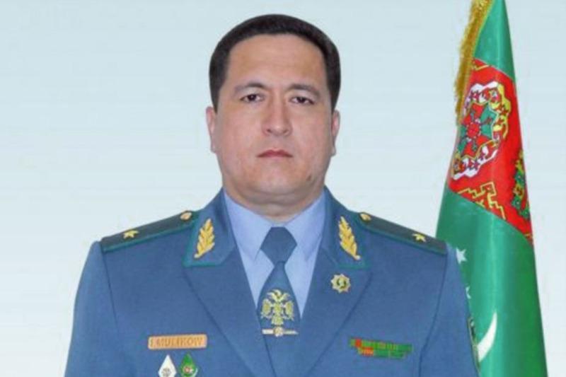 В Туркменистане министра МВД - генерал-лейтенанта понизили до звания майора
