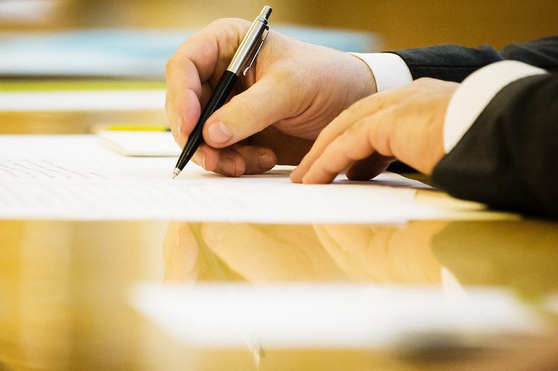 欧亚经济联盟与新加坡签署自由贸易协定
