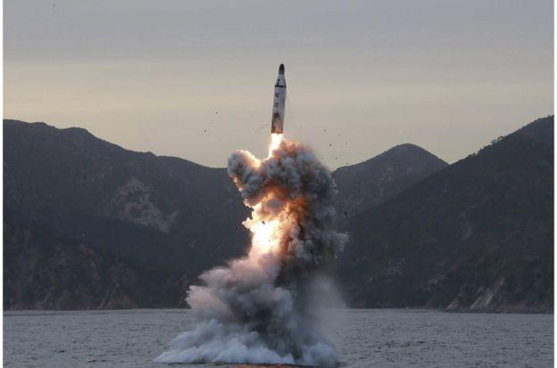 韩联社:朝鲜2日似试射潜射弹道导弹