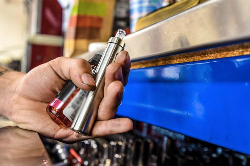 Чем опасны электронные сигареты и как их будут регулировать в Казахстане