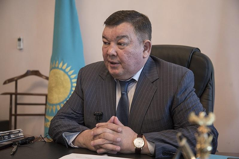 В чем подозревают замакима Алматинской области Багдата Манзорова