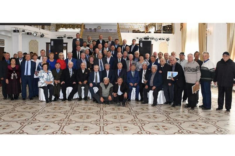 Акмолинские полицейские поздравили ветеранов с Международным днем пожилых людей