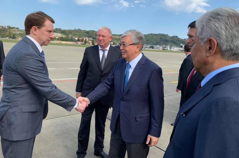 """哈萨克斯坦总统抵达索契将出席""""瓦尔代""""国际辩论俱乐部年会"""