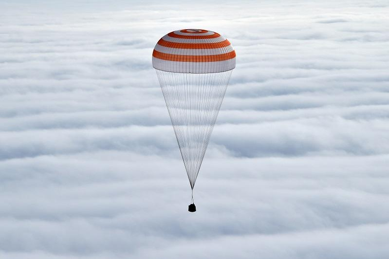 БАӘ-нің тұңғыш ғарышкері мінген кеменің Жерге оралуы онлайн көрсетіледі