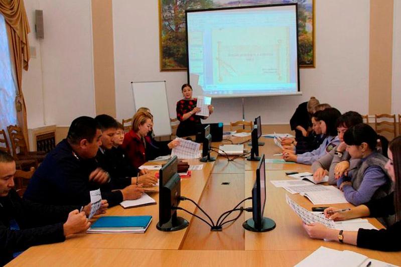 Павлодарских полицейских обучают казахскому языке на латинице