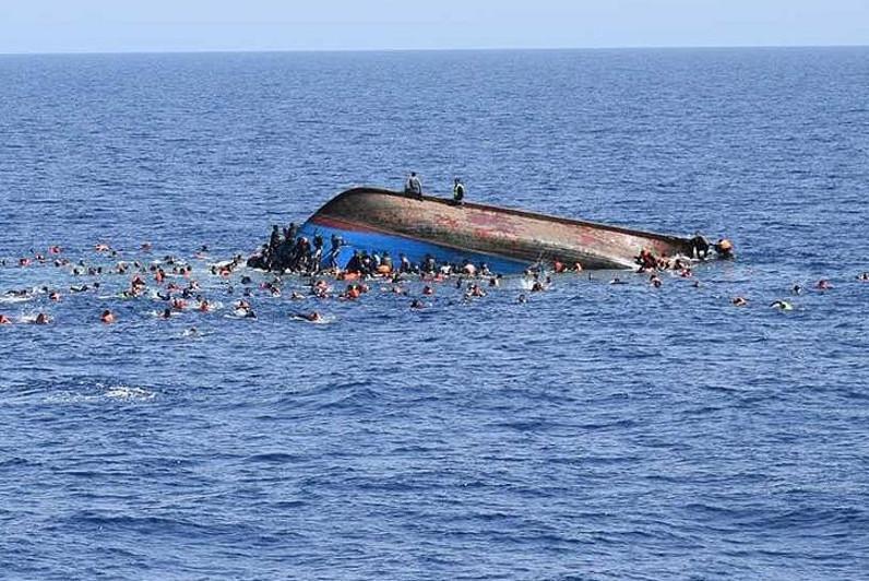 印度翻船事故致7人死亡50人失踪