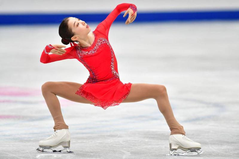 花样滑冰:哈萨克斯坦选手获得上海大奖赛银牌