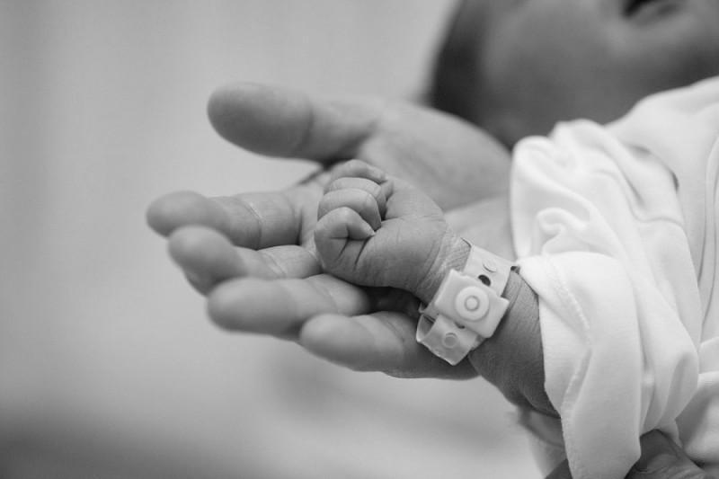 Елжан Биртанов сделал заявление по поводу смерти младенца в Атырауской области