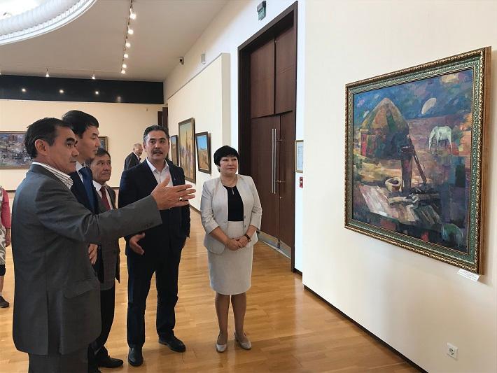 Выставка казахстанских художников прошла в Ташкенте