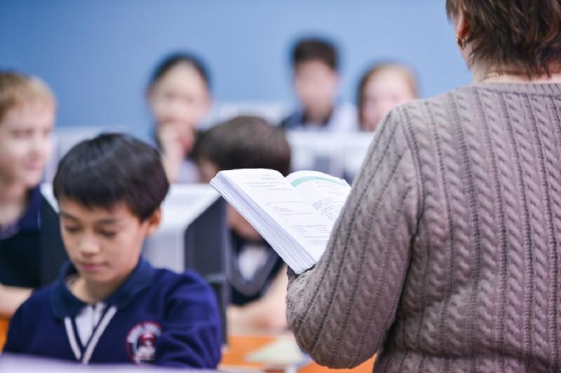 今天是哈萨克斯坦教师节