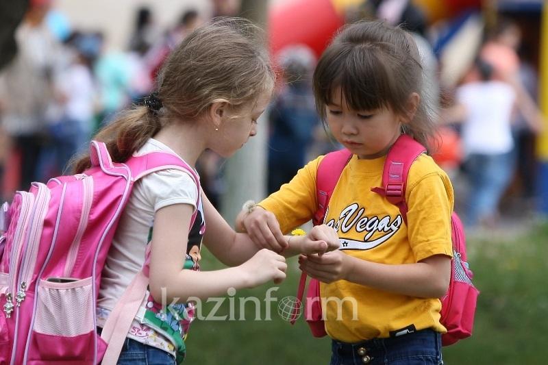 UNICEF-pen birlesken joba: Elordada balalar múddesin qorǵaıtyn zerthana ashyldy