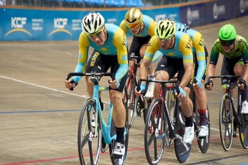 哈萨克斯坦队在泰国自行车赛中夺金