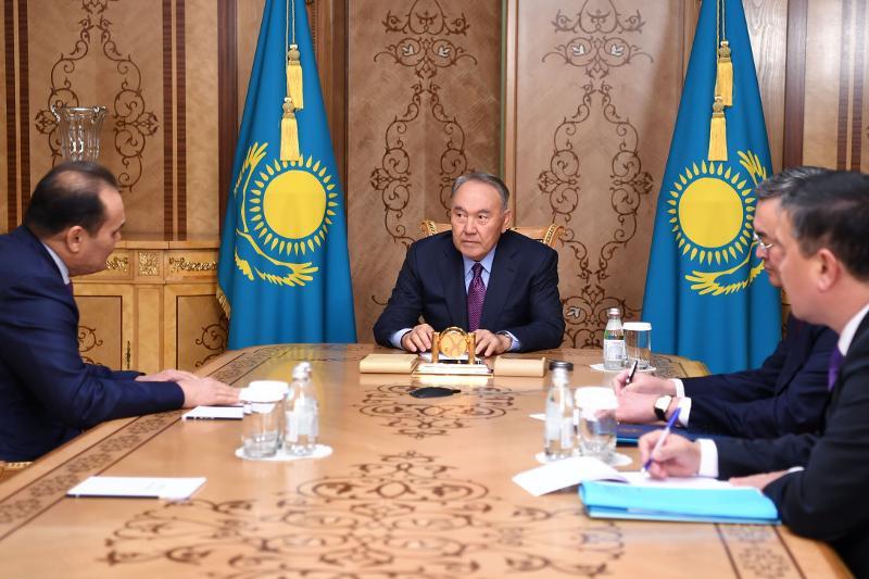 纳扎尔巴耶夫会见突厥议会秘书长会