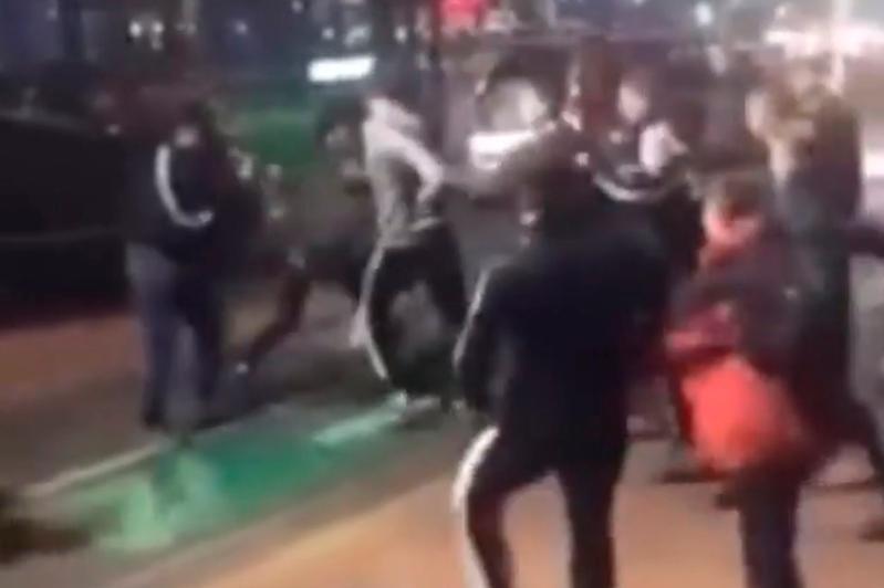 Almatyda fýtbol jankúıerleri jappaı tóbeles shyǵardy