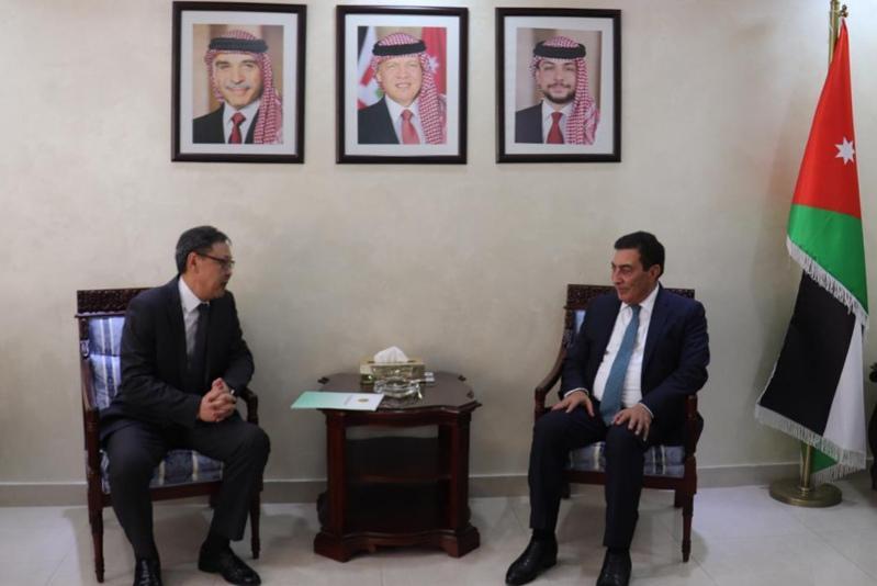 哈萨克斯坦大使会见约旦议长
