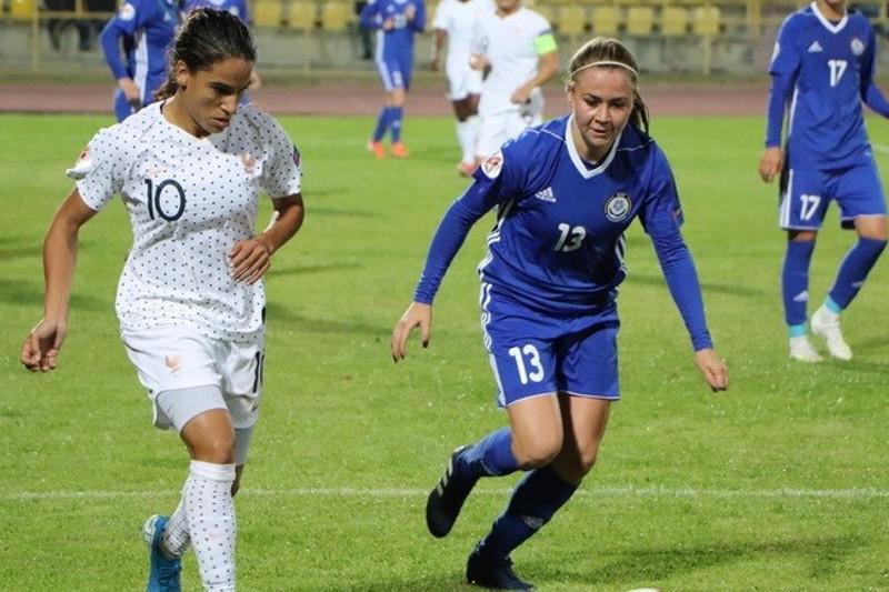Женская команда Казахстана по футболу уступила Франции