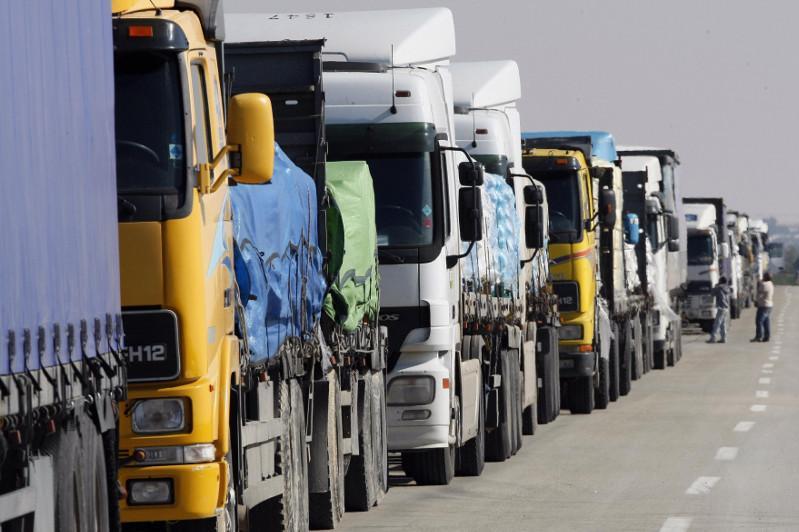 МИД РК прокомментировал транспортные заторы на казахстанско-российской границе