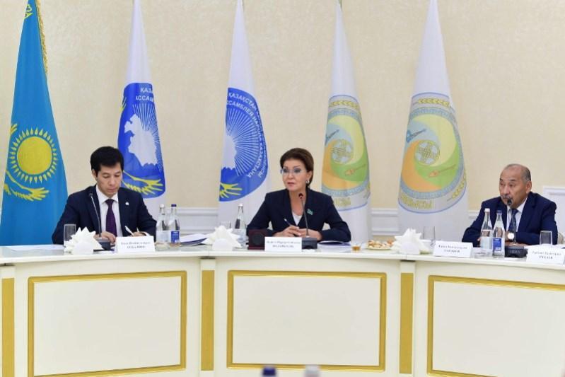 Darıǵa Nazarbaeva «Zenıt» keme jasaý zaýytynyń jumysymen tanysty
