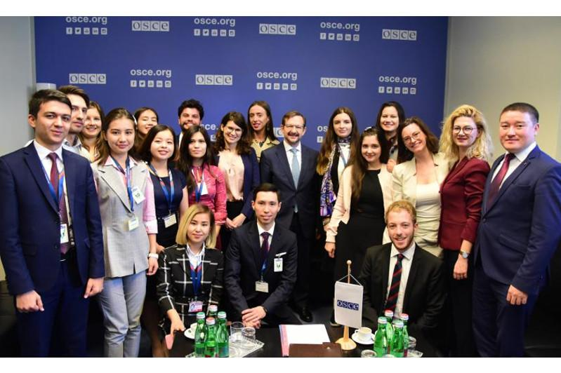 OSCE Secretary General met with Central Asian Youth Network alumni