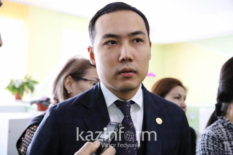 Ануар Жангозин уходит с поста руководителя столичного управления образования