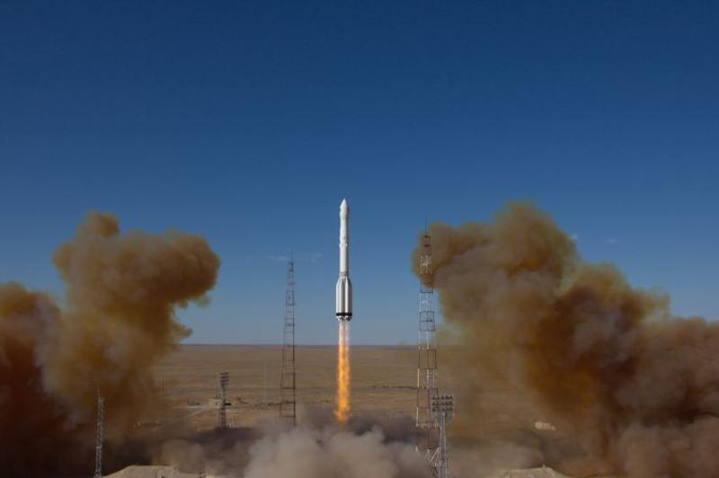 Ракета «Протон-М» с двумя спутниками запущена с Байконура