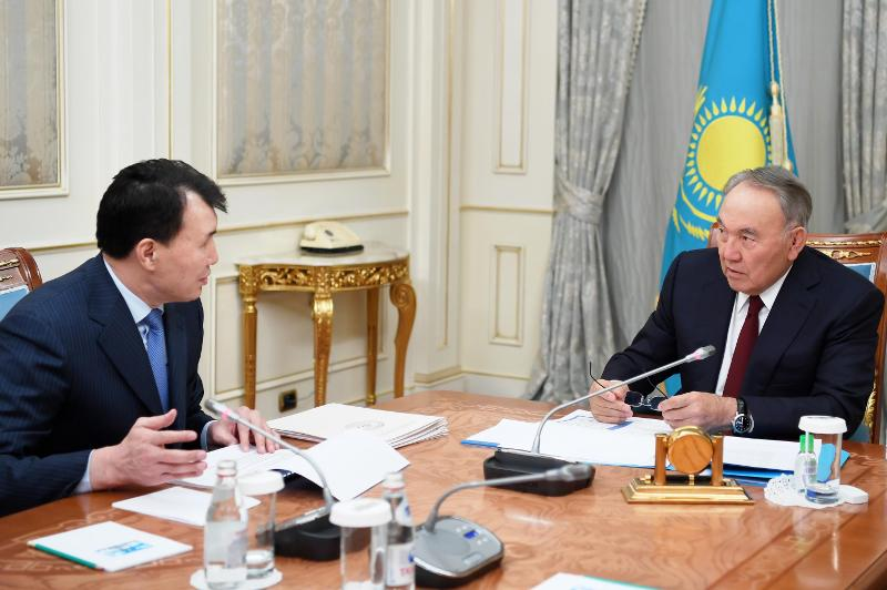 纳扎尔巴耶夫接见反腐败行动署署长