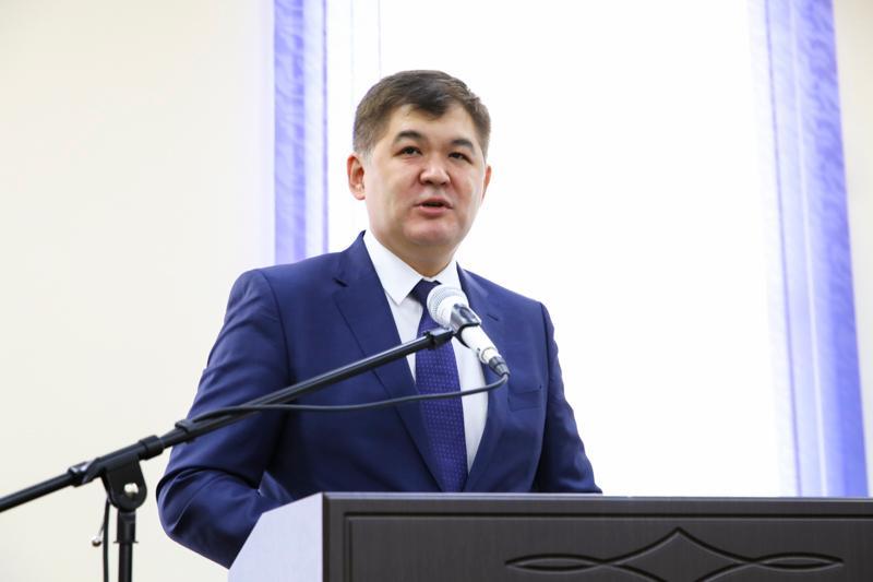 Елжан Биртанов встретился со студентами, которые хотели его отставки