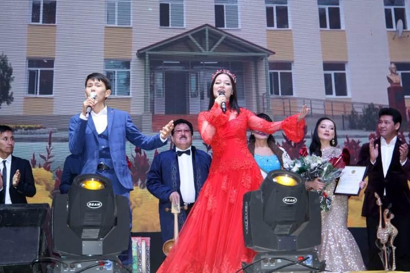 Концерт с участием звезд казахстанской эстрады прошел в Арыси