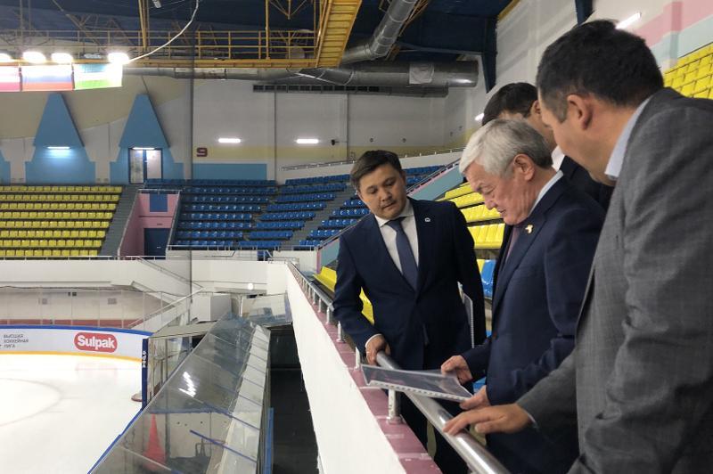 Бердібек Сапарбаев елорданың бірқатар спорт және медициналық нысандарын тексерді