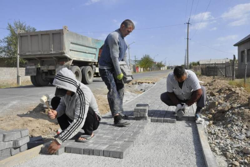 «Ауыл ел бесігі»: Түркістан облысында жолдар жөнделе бастады