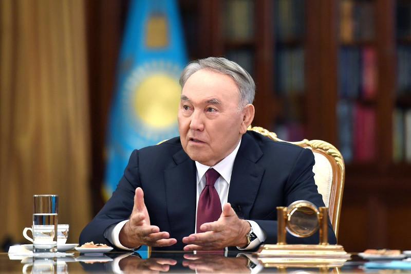 Нурсултан Назарбаев прокомментировал слух о так называемом «двоевластии» в интервью телеканалу «Хабар»