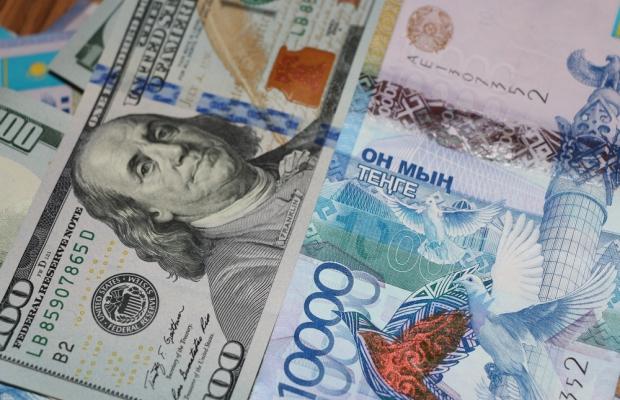 今日美元兑坚戈终盘汇率1:389.51